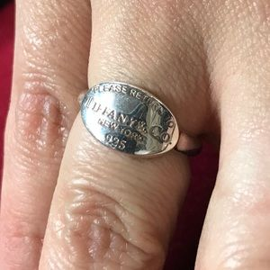Return to Tiffany&Co Signature Oval Ring sz 6.5
